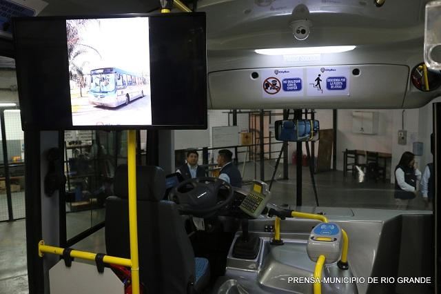 Parque industrial: La empresa City Bus presentó sus instalaciones