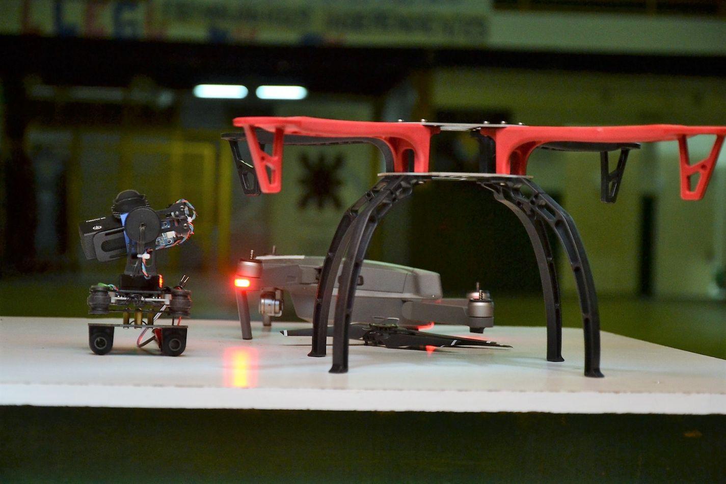 Drones armados por alumnos de las carreras de Ingeniría.