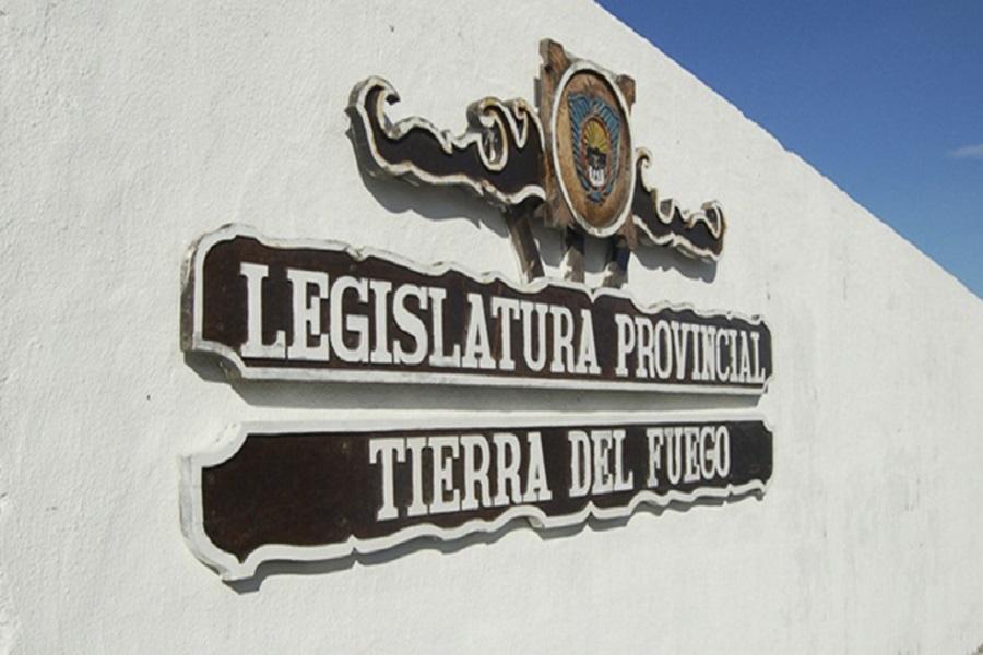 Adhesión a marcos legales nacionales para el desarrollo económico de la provincia