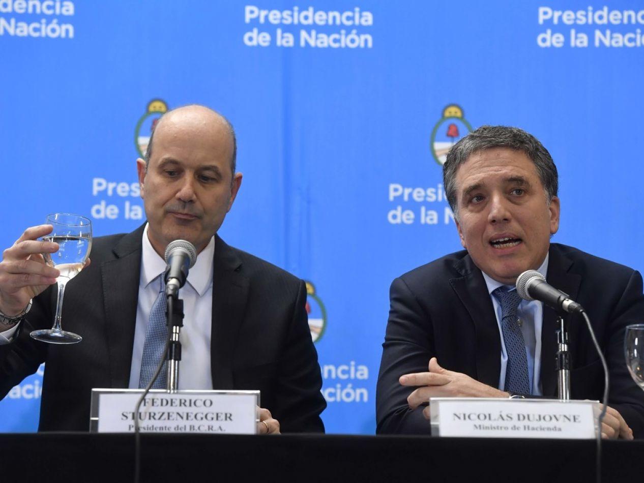 Ministro Nicolás Dujovne y el titular del BCR, Federico Sturzenegger