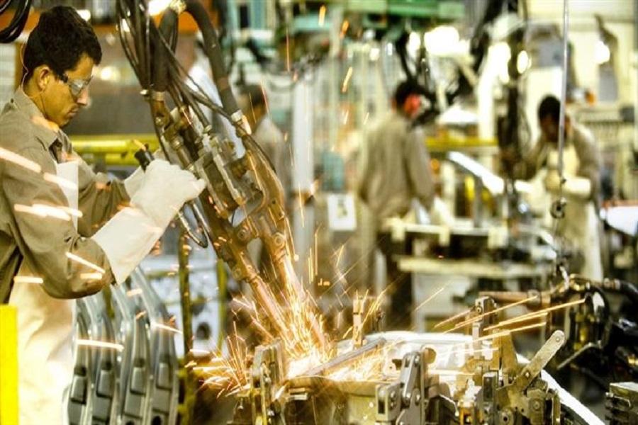 Monitor que mira Gobierno para analizar la economía: Alerta por industria química y textil