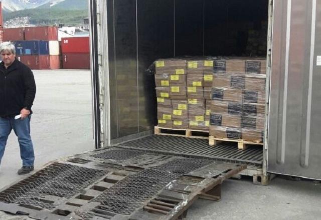 Decomisaron 20 mil kilos de merluza vencida en el Puerto de Ushuaia
