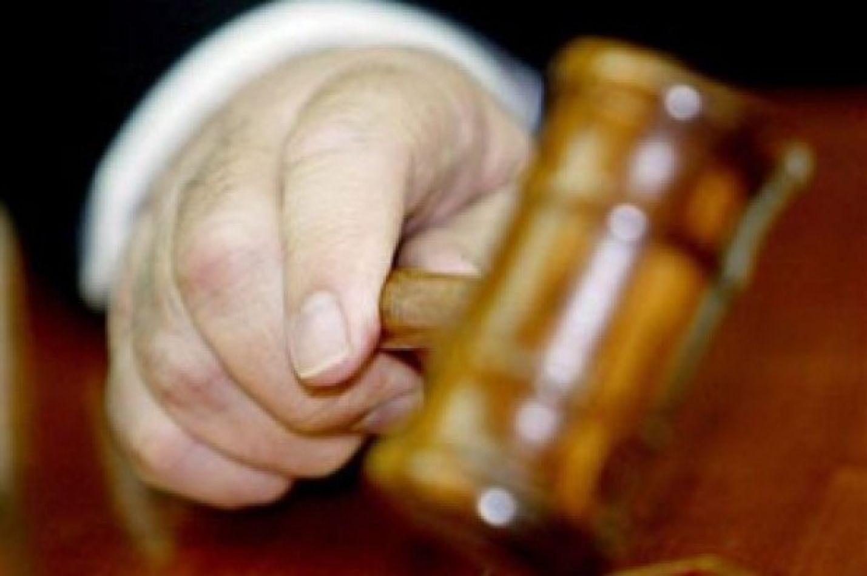 Condena a padrastro abusar