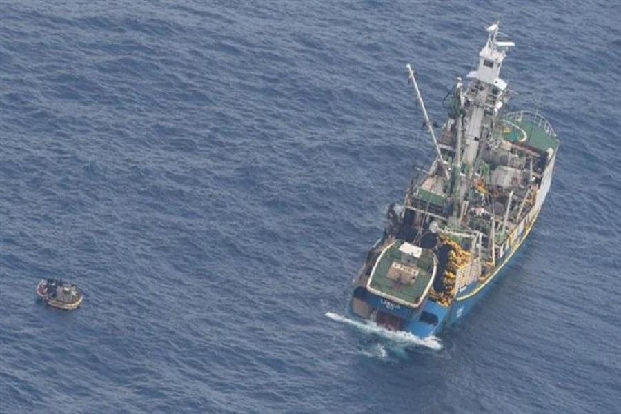 Hallaron en el Pacífico a siete sobrevivientes de un ferri que desapareció hace 10 días