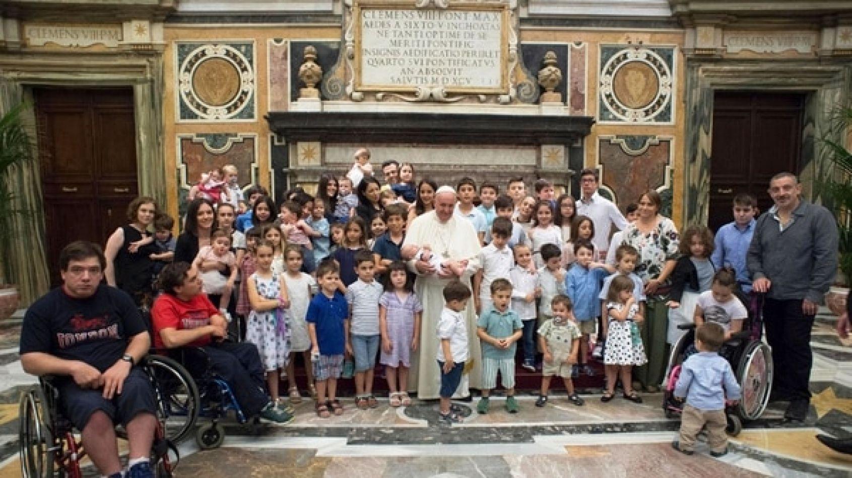 El Papa se refirió al tema luego de la aprobación en Diputados del proyecto que lo legaliza.