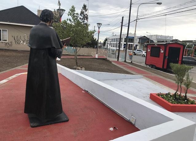 Vergonzoso: Se robaron las luminarias de la figura de Don Bosco