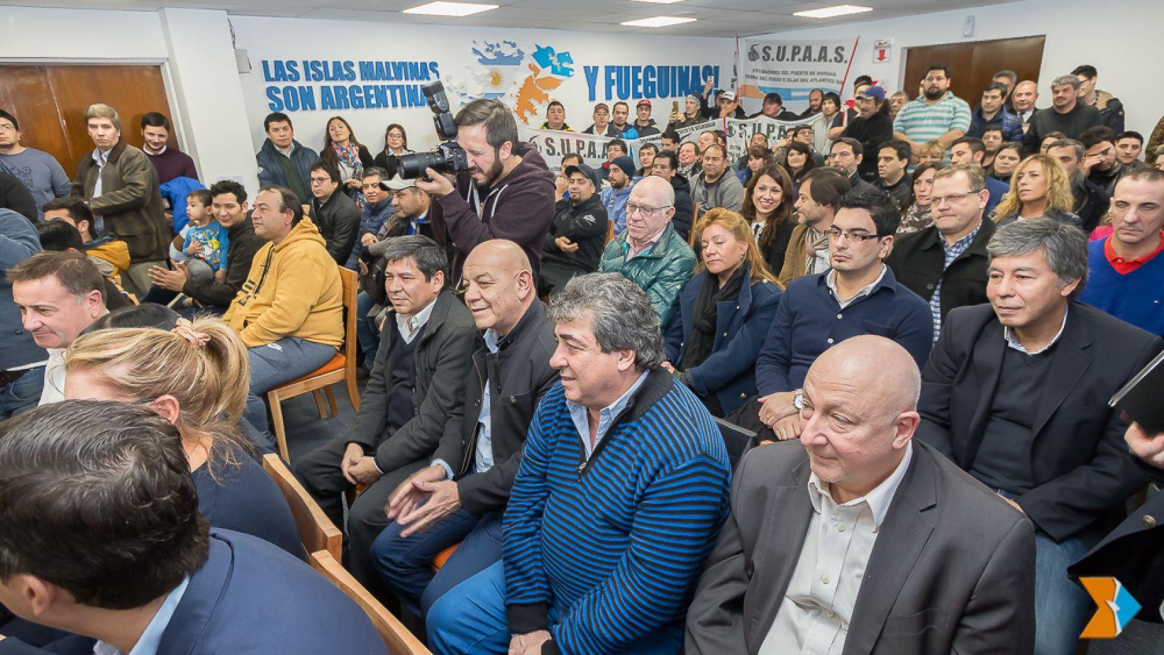 El Gobierno fueguino suscribió un convenio marco por la construcción de 40 soluciones habitacionales