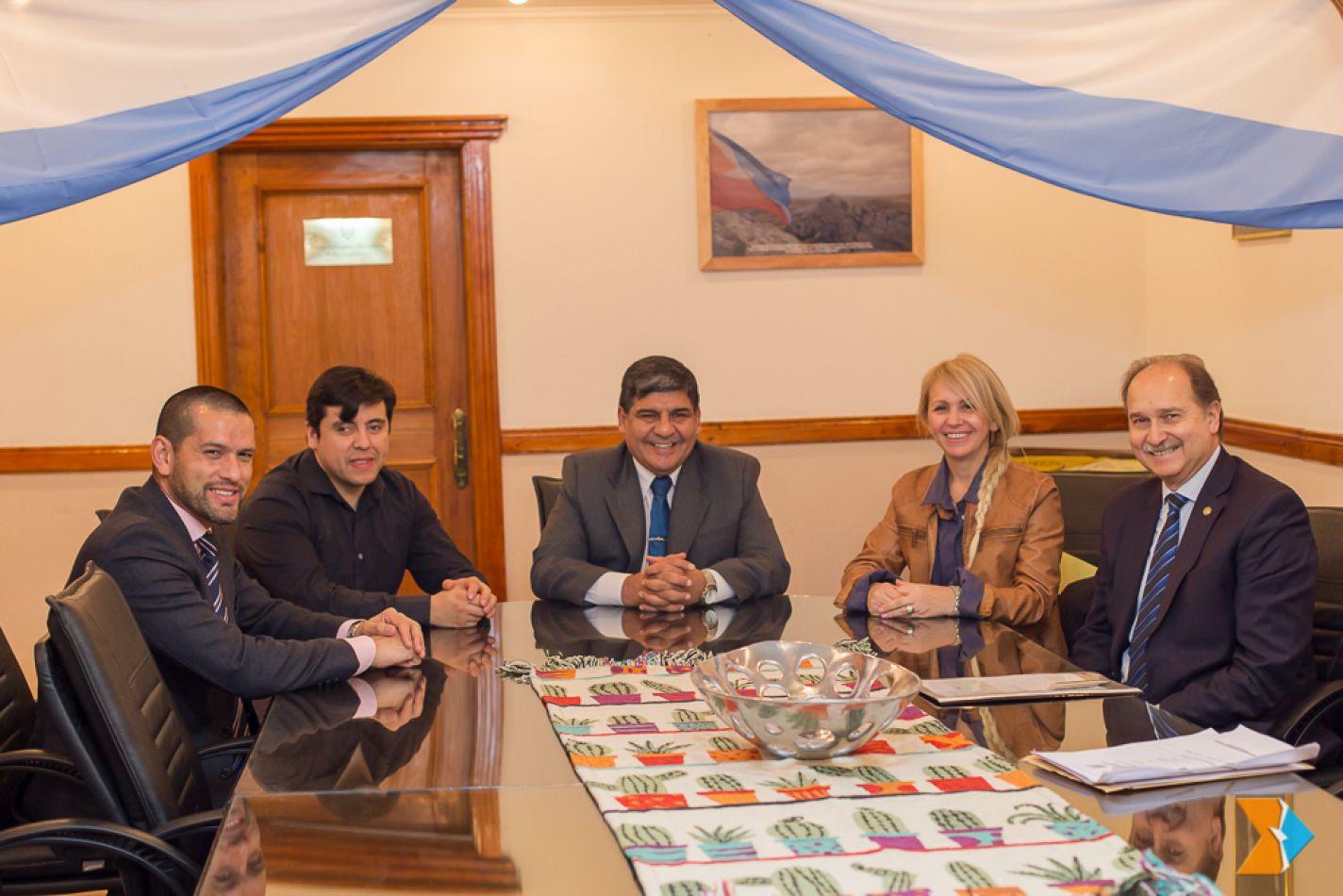 Reunión con integrantes de diferentes instituciones de Ushuaia