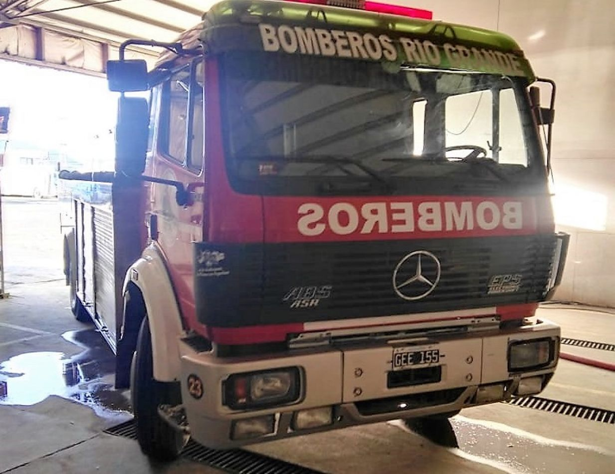 Personal de Bomberos colaboró con la empresa CityBus y con la comunidad.