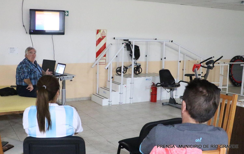 Las disertaciones estuvieron a cargo del Lic. Oscar Luis Alzua y del Lic. Nicolás Cataldo