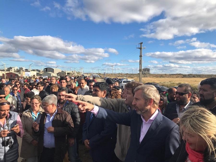 El intendente Melella encabezó junto a funcionarios la apertura de un nuevo nudo vial en la Margen sur