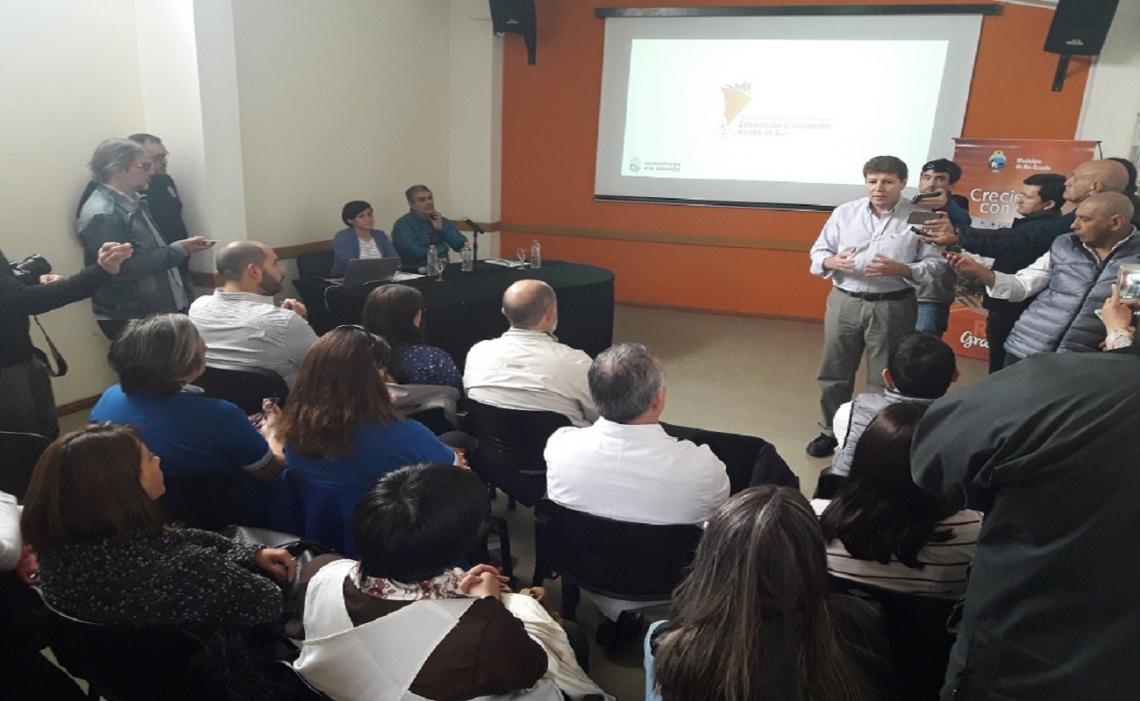 """El municipio de Río Grande presentó el 1° Congreso Internacional """"Educación e Inclución desde el Sur"""""""