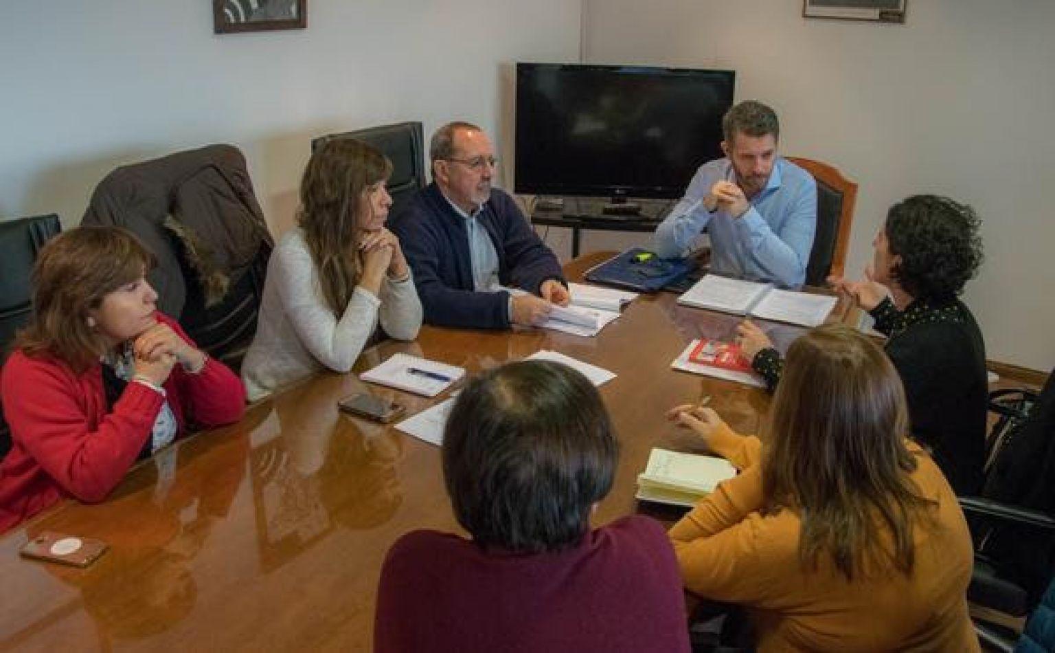 Representantes de FADEPOF mantuvieron una reunión con el  ministro Jefe de Gabinete Leonardo Gorbacz.