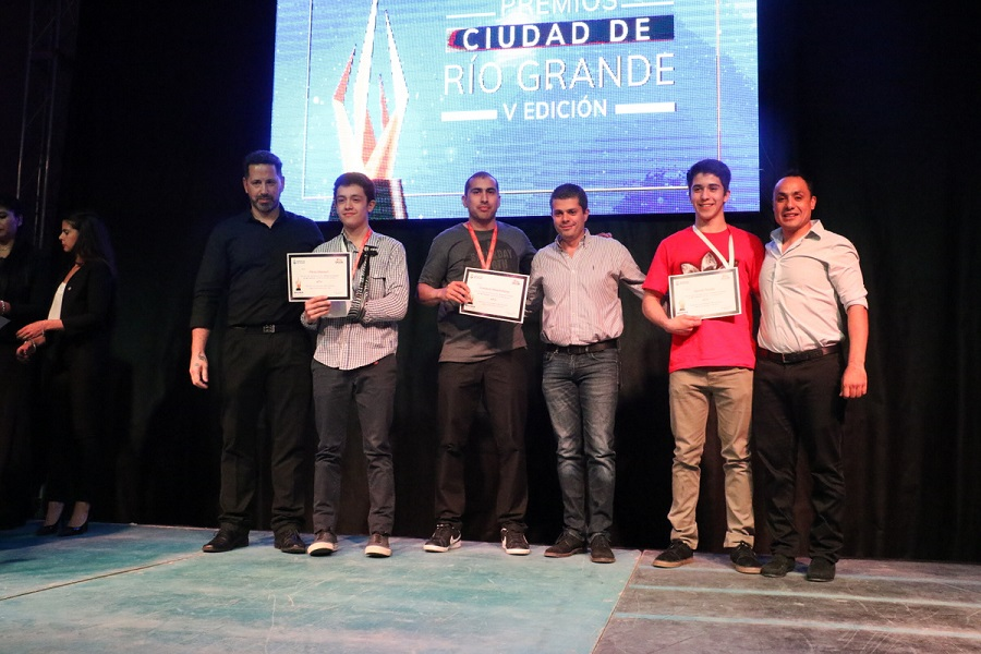 Premios ciudad Río Grande: El municipio agasajó a deportistas ternados