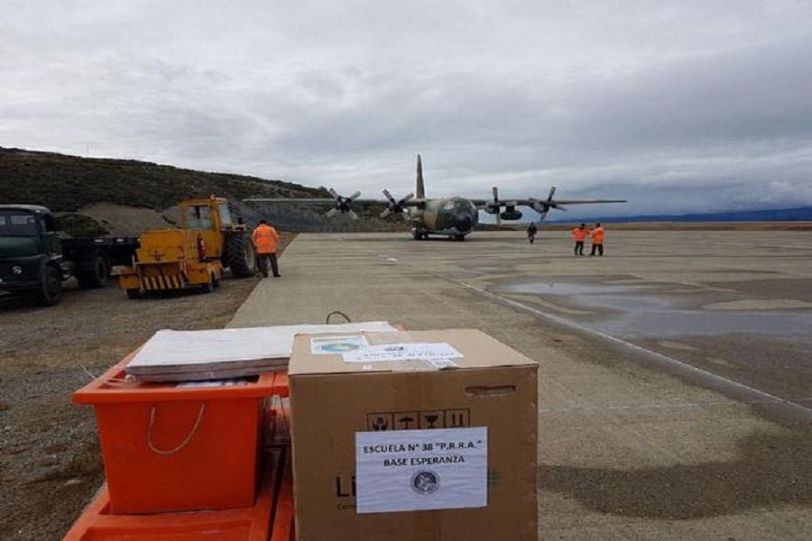 Partió el tercer embarque de insumos para la Escuela N°38 de la Base Antártica Esperanza