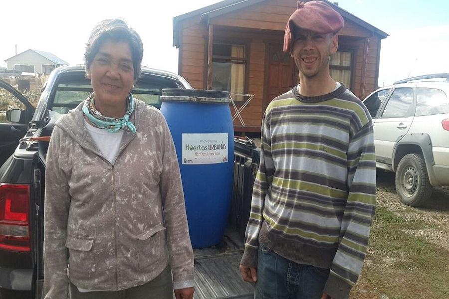 Huertas Urbanas: El municipio capacita y entrega compost orgánico a productores