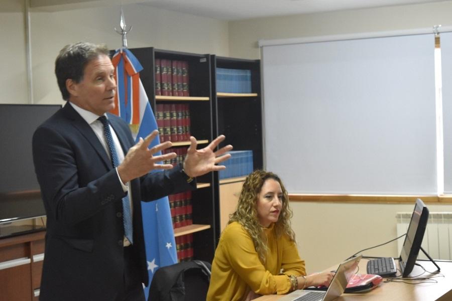Juzgado Electoral, en reunión informativa con agrupaciones políticas provinciales