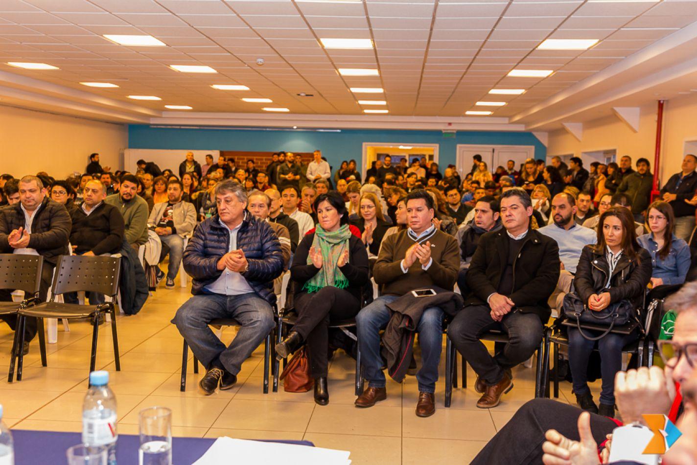 La legisladora Myriam Martínez  presidió sendas reuniones de la Comisión de Legislación General (1), realizadas en Río Grande y Ushuaia
