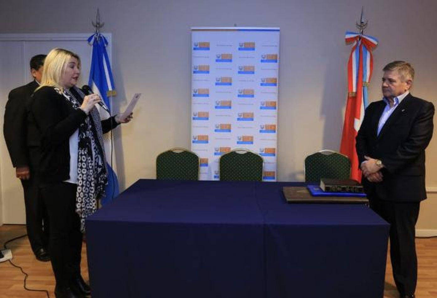 La gobernadora Rosana Bertone tomó juramento al Contador Público Luis María Capellano