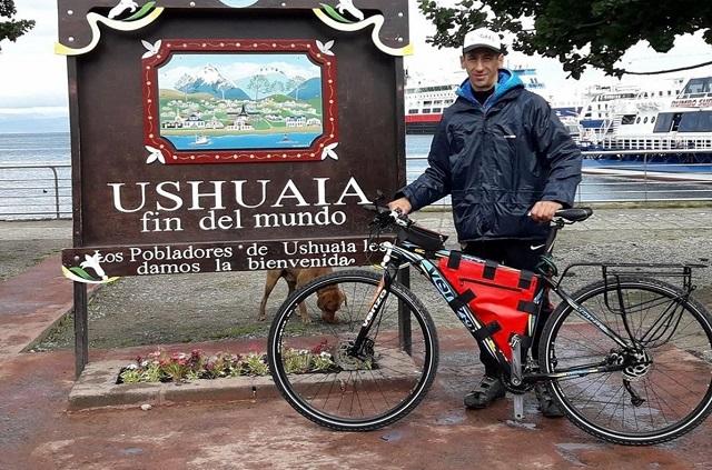 Unió Ushuaia y La Quiaca en bicicleta para ayudar a su sobrino