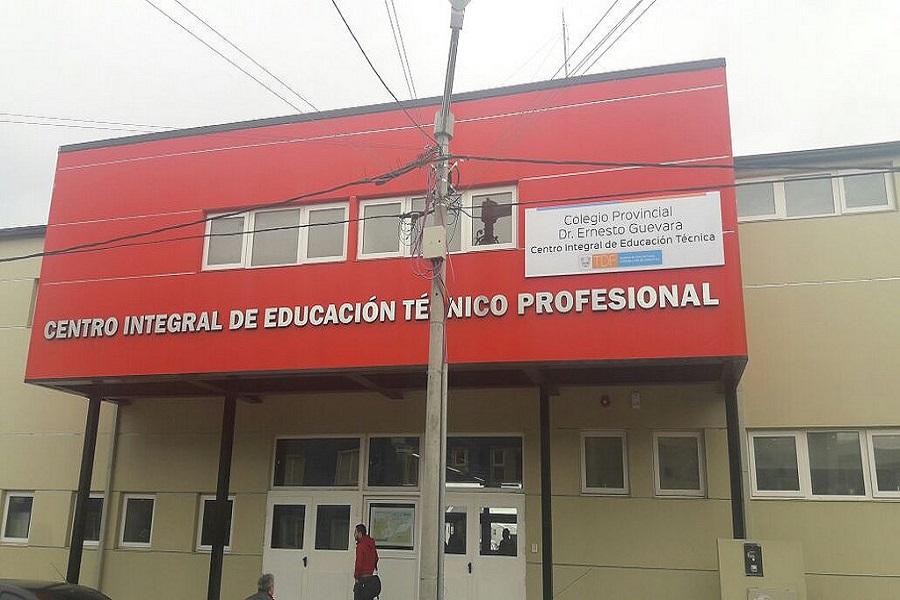 El colegio Guevara festejó su aniversario con nuevas instalaciones