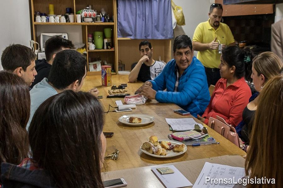 Generación Malvinas se reunió con Juan Carlos Arcando