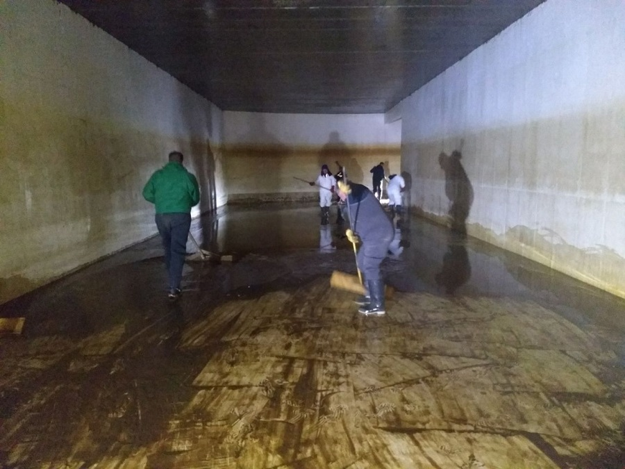 Obras Sanitarias realizó la limpieza interna de la cisterna de la Margen Sur