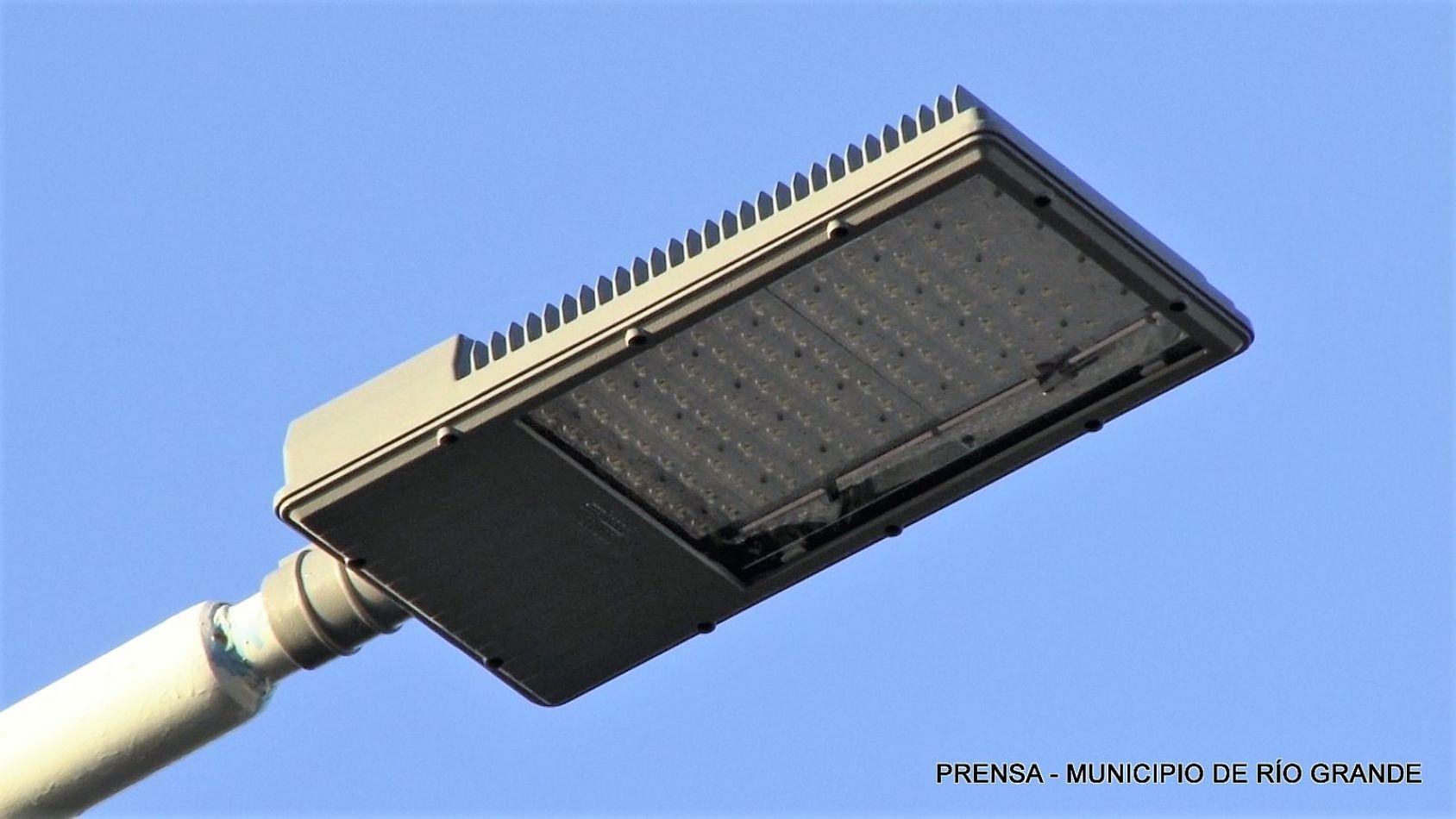Luminarias led nuevas en Río Grande.