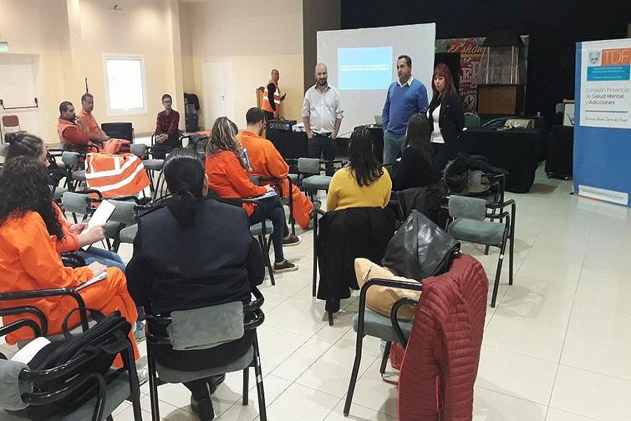 Gobierno brindó capacitación sobre prevención del suicidio en Río Grande