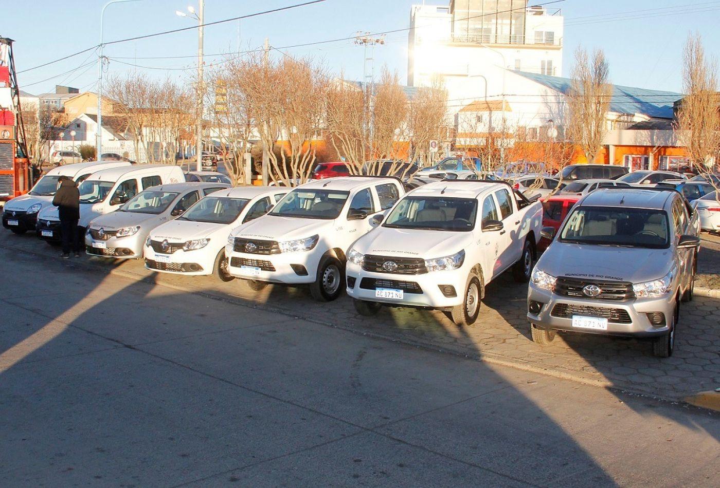 Más vehículos para la Municipalidad de Río Grande.