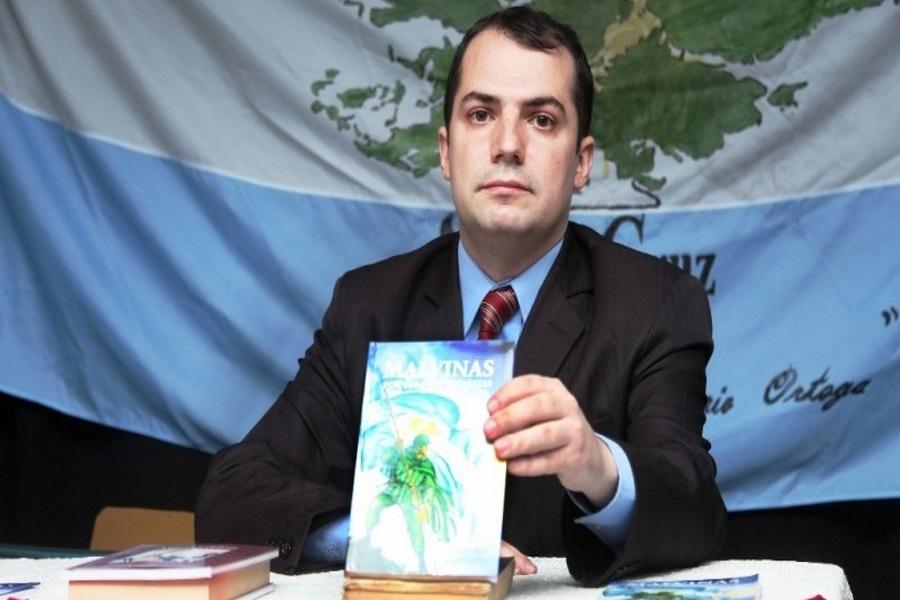 "Río Gallegos: Cruz Castañeiras presentó ""Malvinas por sus protagonistas"""