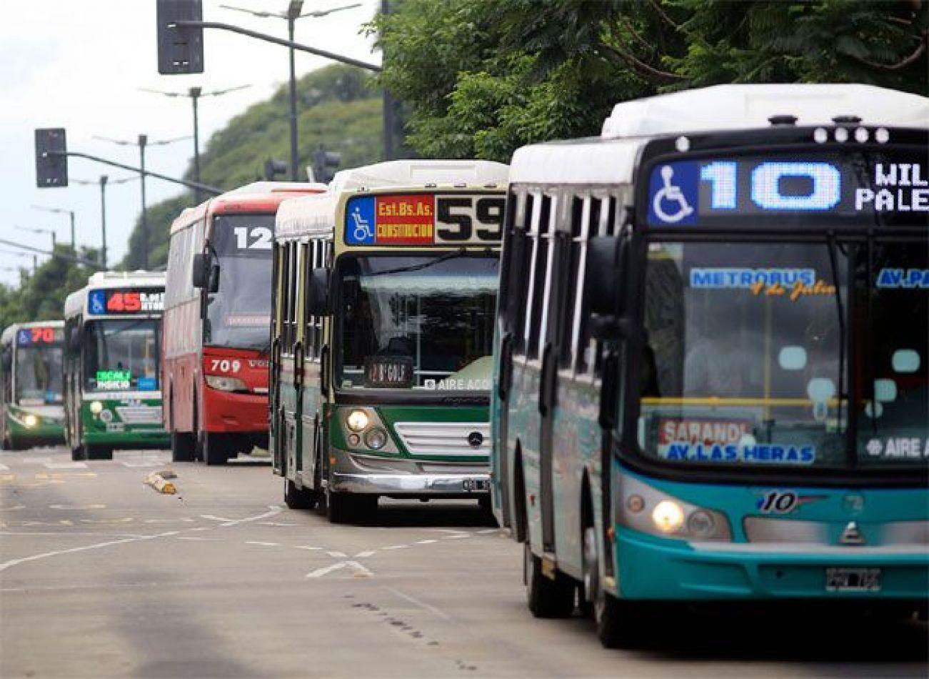El Gobierno analiza que las provincias se hagan cargo de los subsidios al transporte