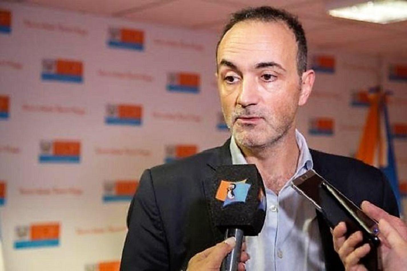 Ministro de Industria Ramiro Caballero.