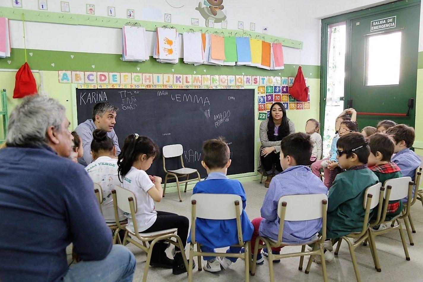 Rossi disfruto de una jornada de aprendizaje con alumnos del Jardín 16.