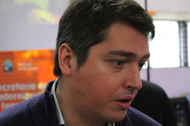 Martín Pérez participó de la inauguración de la Carpa de la Dignidad