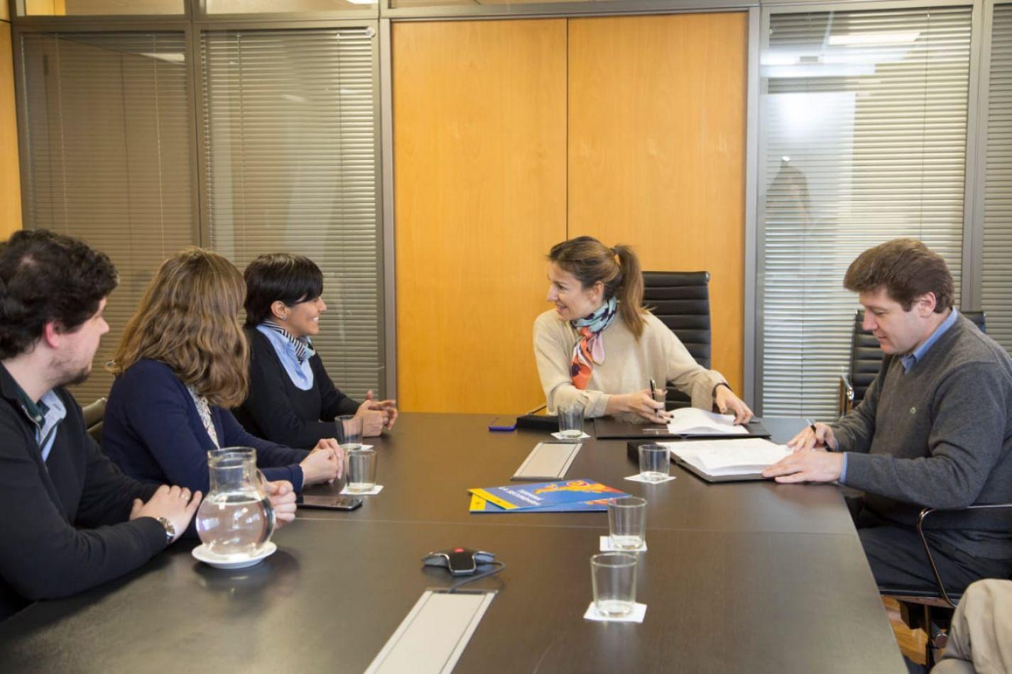 Prof. Gustavo Melella, firmó convenio con la Ministra de Educación de la Ciudad de Buenos Aires, Soledad Acuña