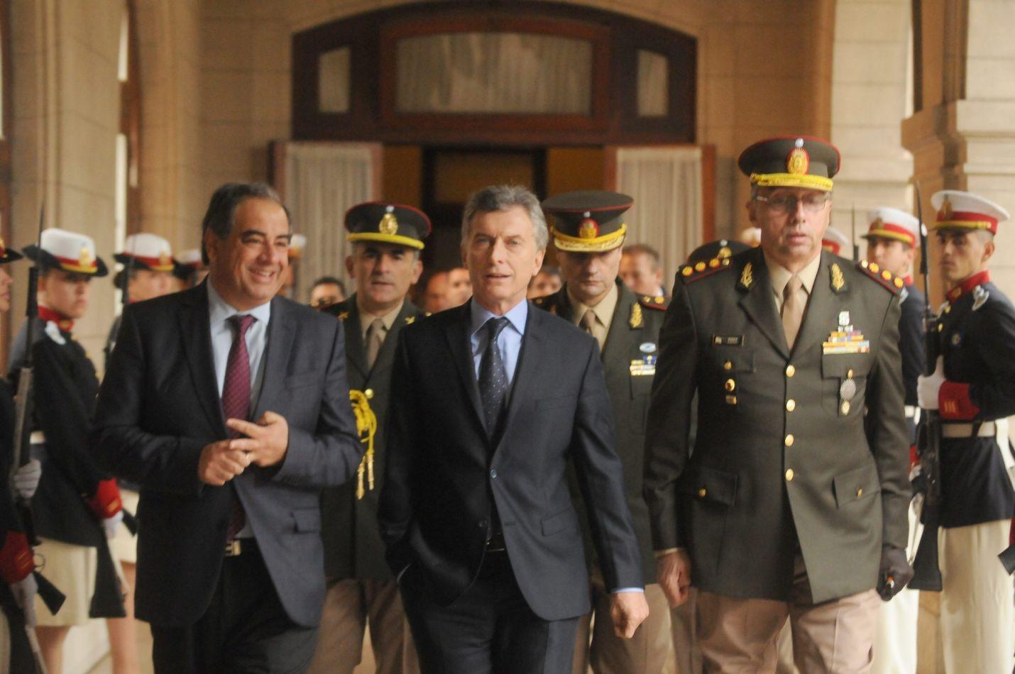 El presidente eludió la discusión en el Congreso y usará a los militares para acciones de seguridad interior.