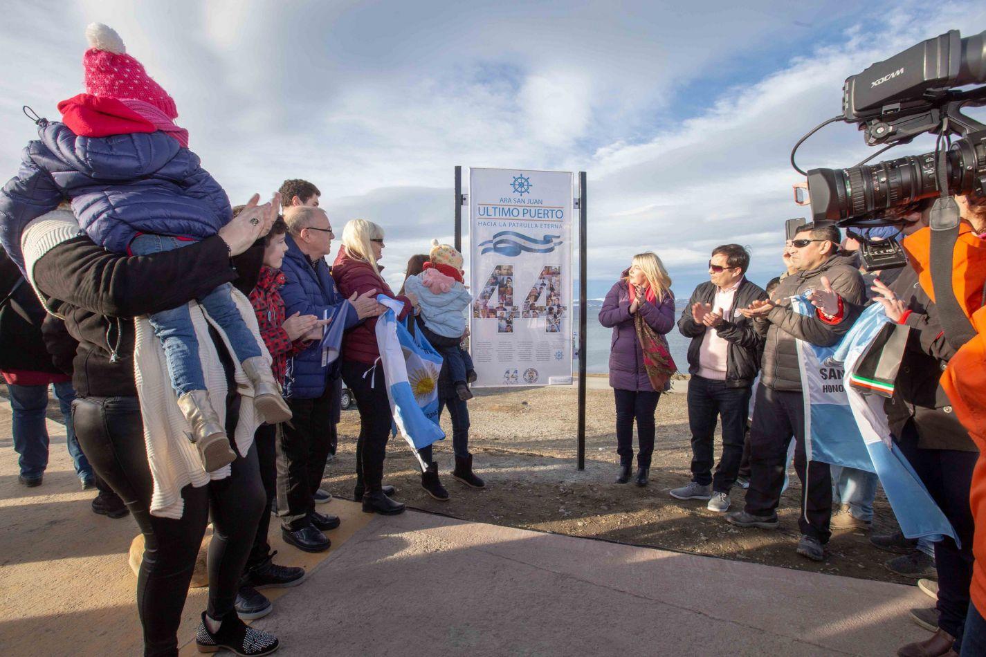 Reconocimiento a los 44 héroes del Submarino Ara San Juan