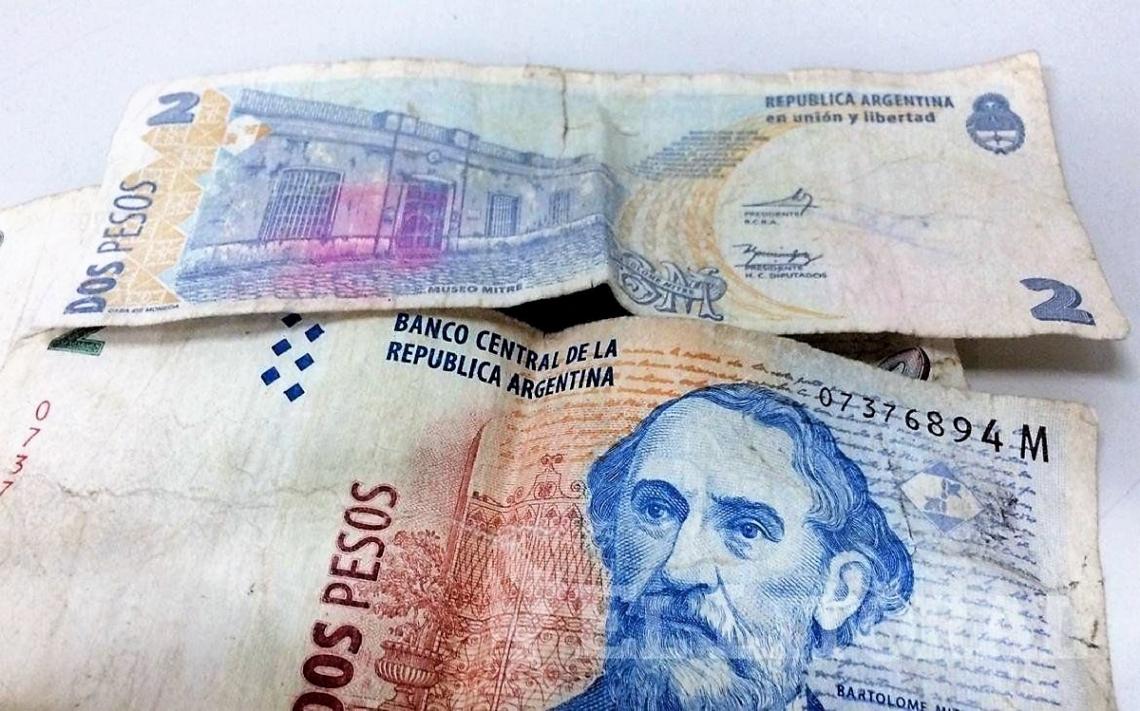 Extendieron un mes el plazo para canjear los billetes de 2 pesos