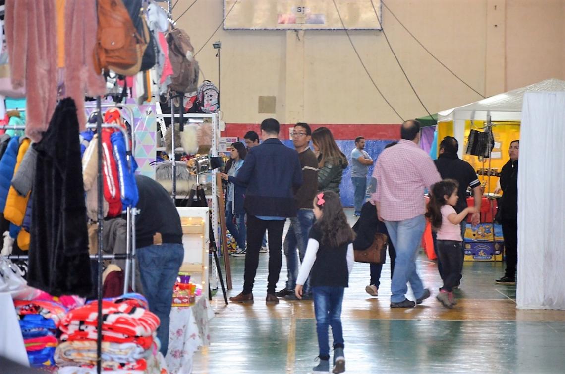 Súper Feria: El Don Bosco, colmado con el nuevo paseo de compras