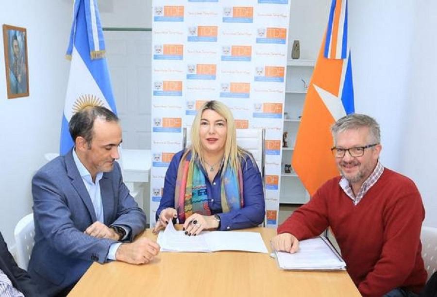 Gobierno implementará la ventanilla virtual para fortalecer al sector pesquero