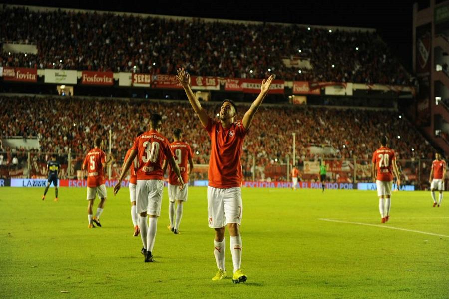 Independiente le ganó a Boca y dejó el campeonato al rojo vivo