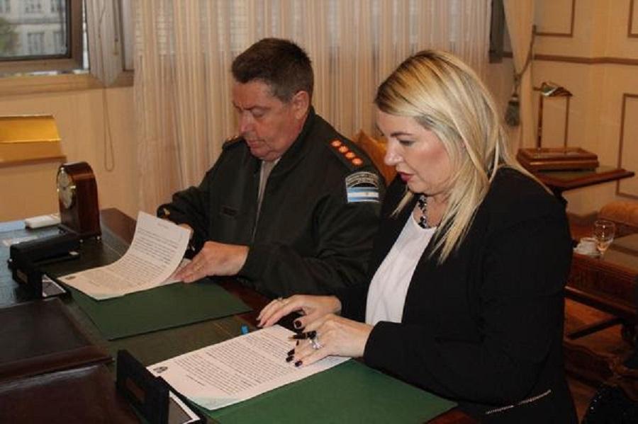 Gobierno firmó convenio con Gendarmería Nacional