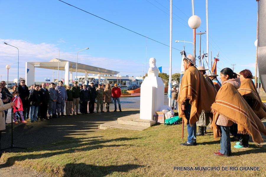 El municipio acompañó a la comunidad Jujeña en el acto del 425° Aniversario de la pcia norteña
