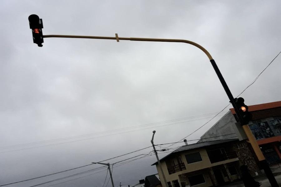 El lunes se pone operativo el semáforo sobre ruta complementaria 5
