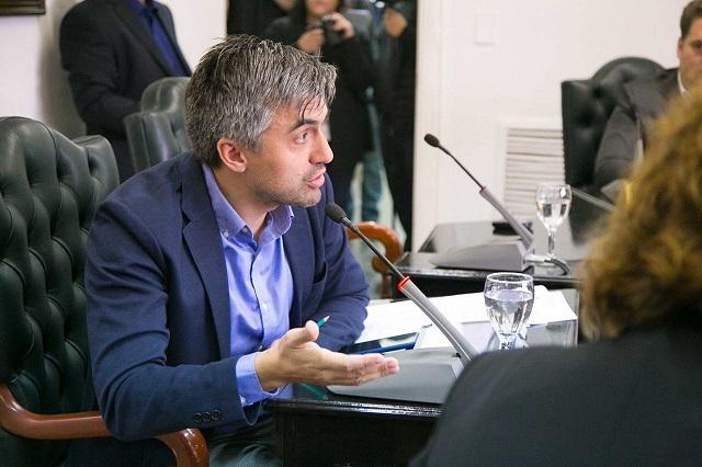 Rossi destacó el proyecto de Mora sobre el congelamiento del valor de multas