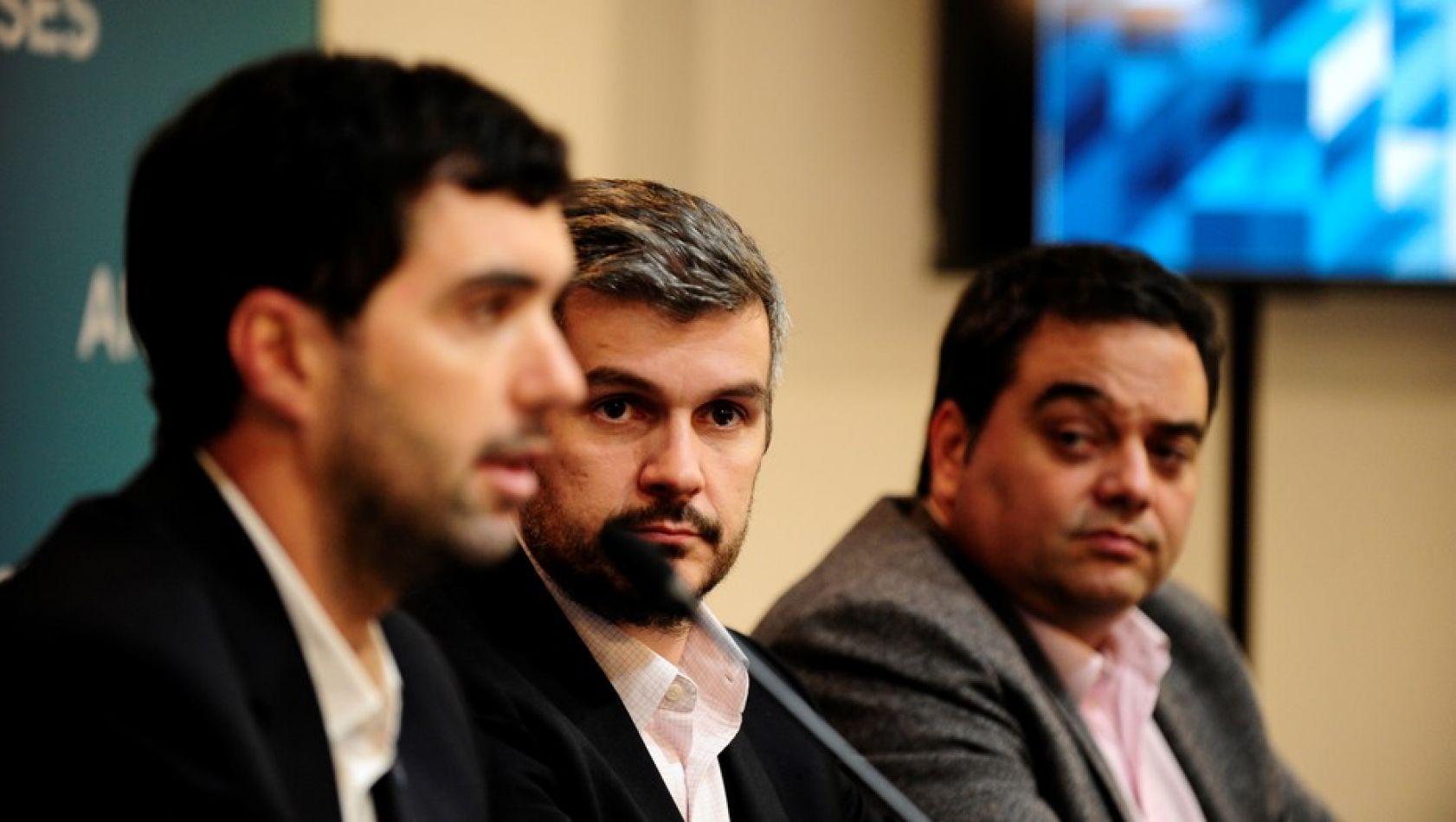 El titular de la ANSeS, Emilio Basavilbaso, con el jefe de Gabinete, Marcos Peña, y el ministro de Trabajo, Jorge Triaca.