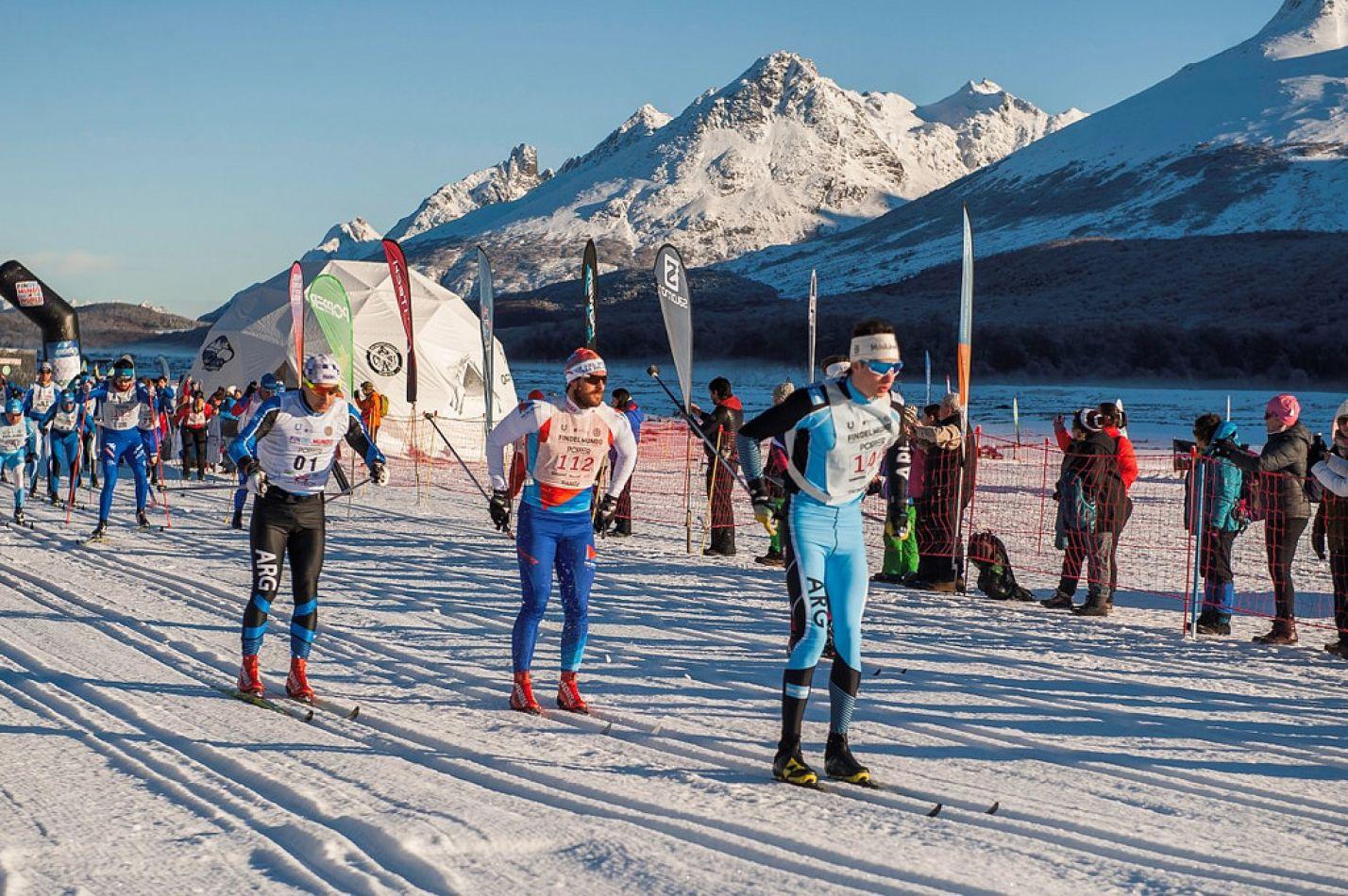 Fiesta de esquiadores en Ushuaia.