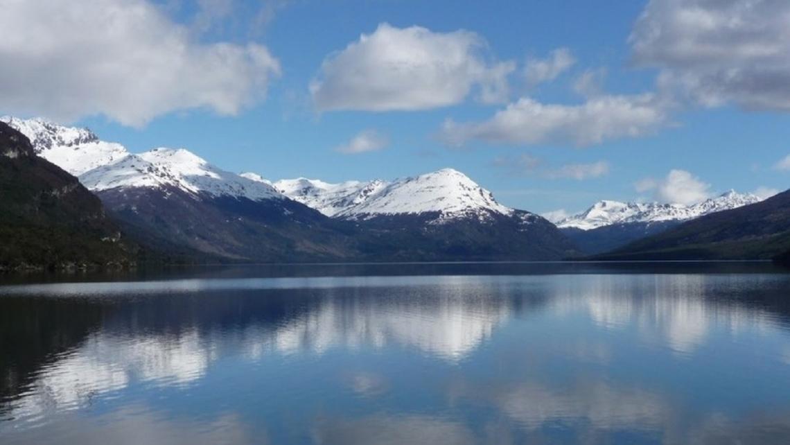 Bertone quiere crear un parque nacional y compartirlo con Chile