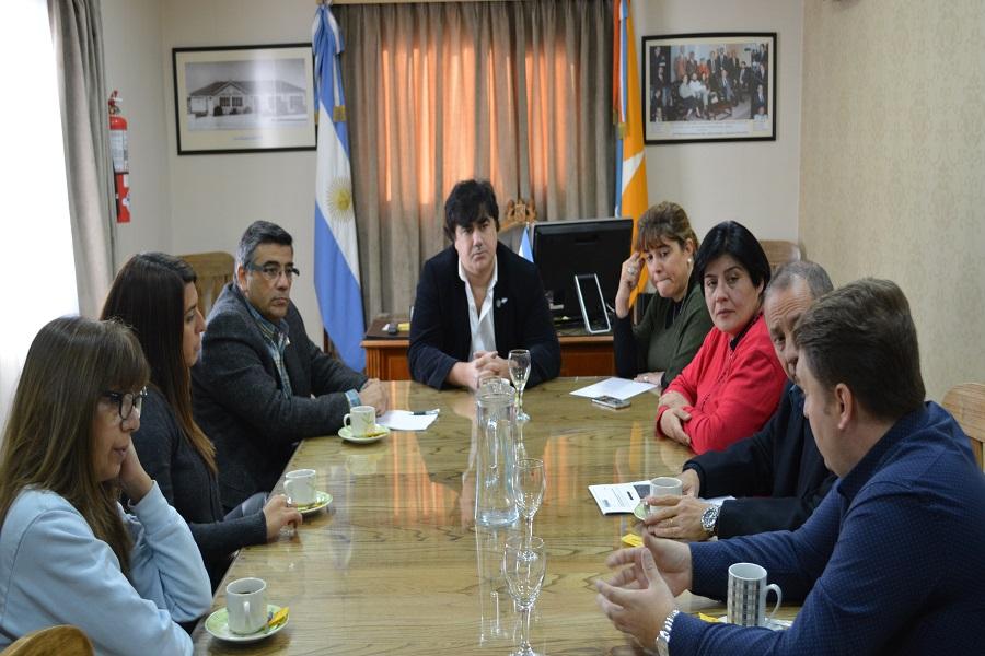 Los Concejales recibieron a representantes de (APOC)